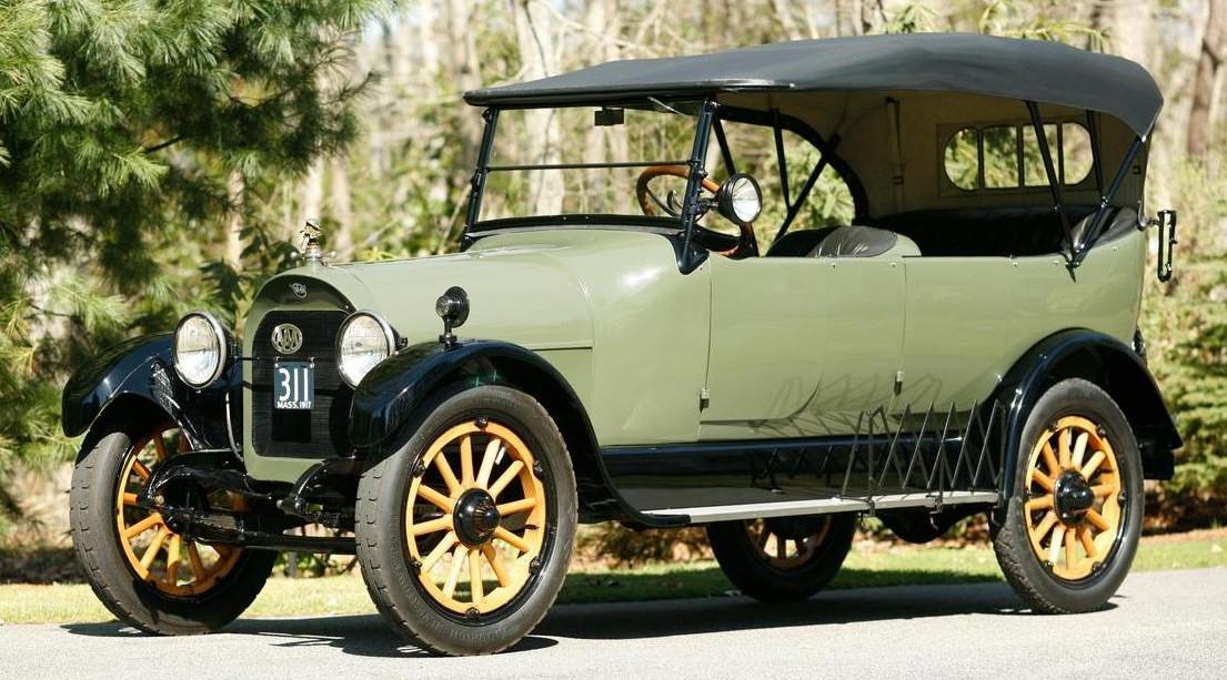 1917 Reo Model M Seven-Passenger Touring