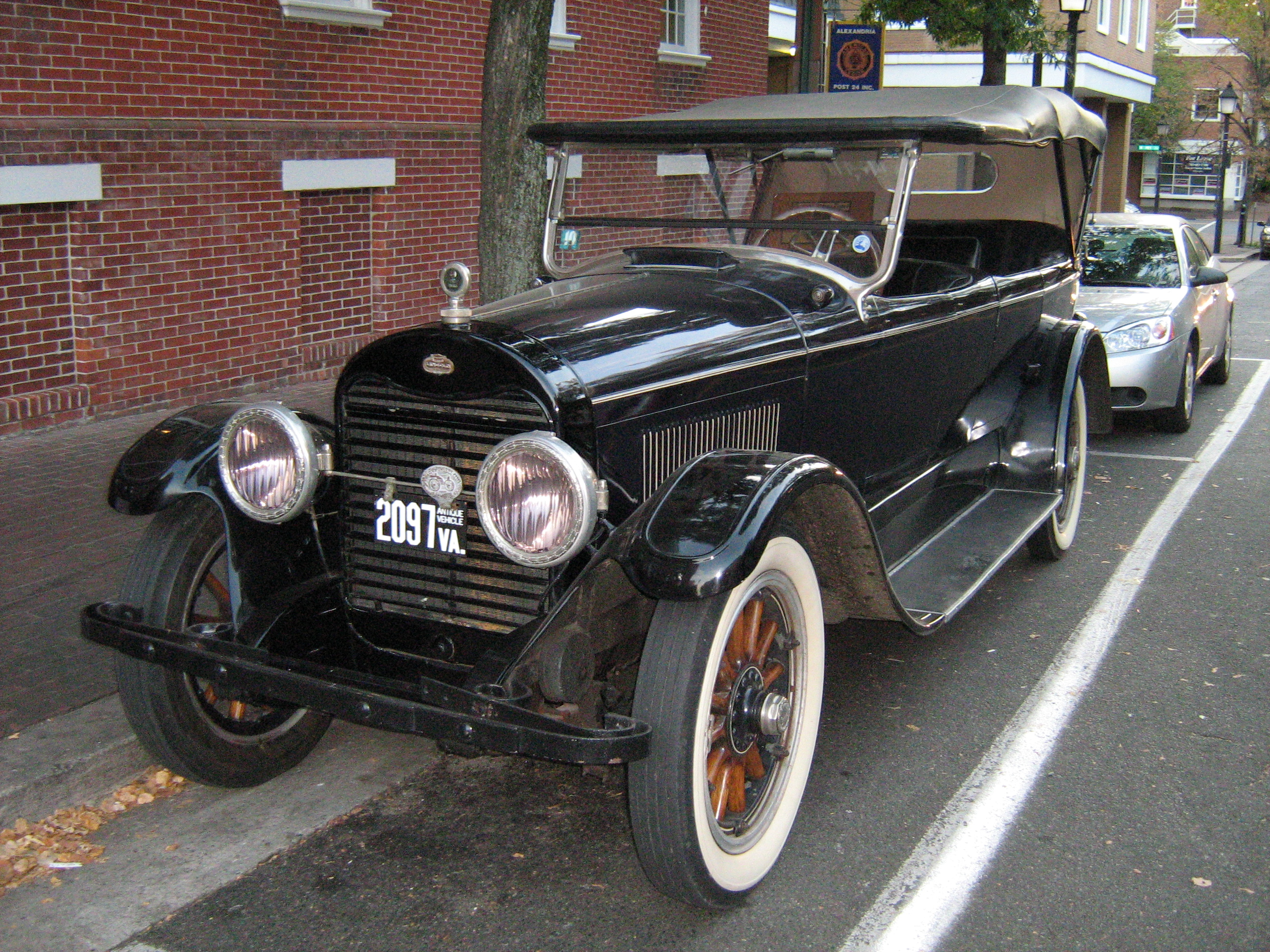 1922 Lincoln L-Series Touring