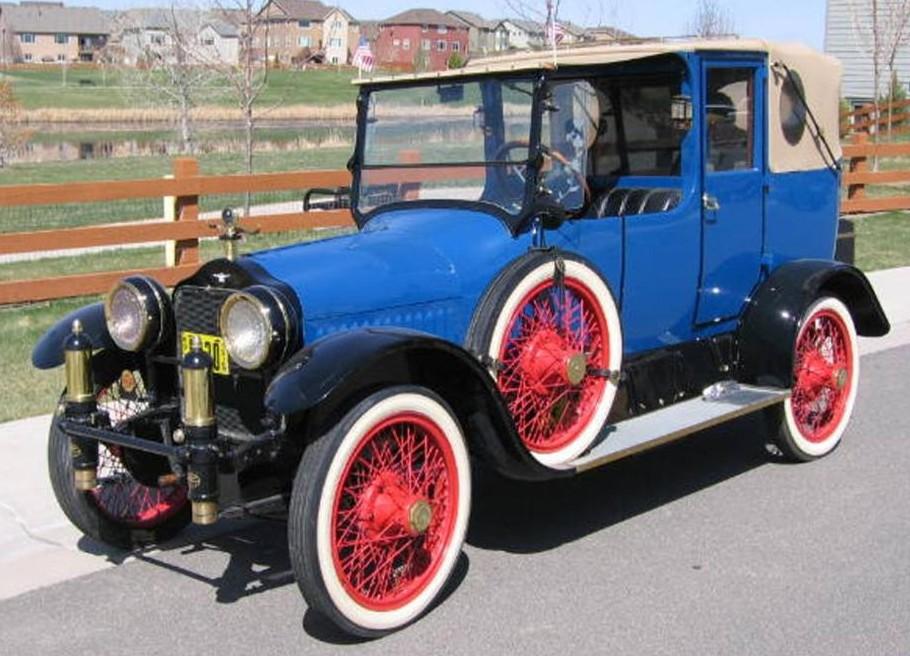 1915 White Town Car